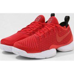 Nike Performance MEN AIR ZOOM ULTRA REACT HC Obuwie do tenisa Outdoor university red/gym red/black/white. Trekkingi męskie Nike Performance, z materiału, na golfa. W wyprzedaży za 471.75 zł.