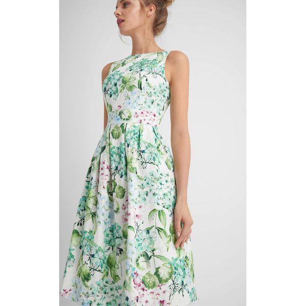 440d880efa Rozkloszowana sukienka - Sukienki damskie marki Orsay. Za 179.99 zł ...