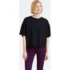 """Koszulka """"Maddie"""" w kolorze czarnym. Czarne t-shirty damskie Levi's, z bawełny, z okrągłym kołnierzem. W wyprzedaży za 65.95 zł."""
