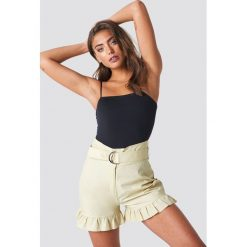 NA-KD Boho Bawełniane szorty z paskiem - Beige. Brązowe szorty damskie NA-KD Boho, z haftami, z bawełny, boho. W wyprzedaży za 70.98 zł.