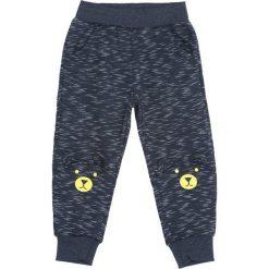 Granatowe Spodnie Dresowe Response. Niebieskie spodnie sportowe dla chłopców Born2be, z dresówki. Za 39.99 zł.