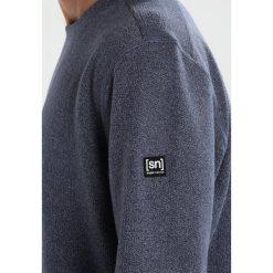 Super.natural VACATION KNIT CREW Bluza dark avio melange. Bluzy męskie super.natural, z bawełny. W wyprzedaży za 377.40 zł.