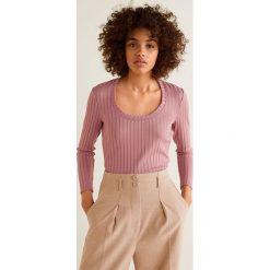Mango - Bluzka Mecano. Różowe bluzki damskie Mango, z dzianiny, casualowe, z okrągłym kołnierzem. Za 69.90 zł.