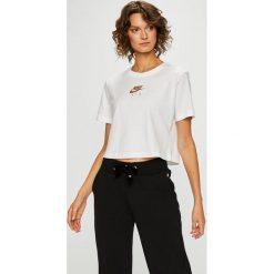 Nike Sportswear - Top. Szare topy damskie Nike Sportswear, z nadrukiem, z bawełny, z okrągłym kołnierzem, z krótkim rękawem. Za 119.90 zł.