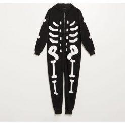 Piżama jednoczęściowa z polaru - Czarny. Czarne piżamy męskie Reserved, z polaru. Za 99.99 zł.