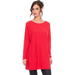 """Sweter """"Marlone"""" w kolorze czerwonym. Czerwone swetry damskie Cosy Winter, ze splotem, z okrągłym kołnierzem. W wyprzedaży za 181.95 zł."""