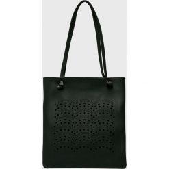 Answear - Torebka. Czarne torby na ramię damskie ANSWEAR. W wyprzedaży za 69.90 zł.