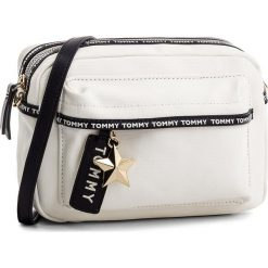 Torebka TOMMY HILFIGER - Th Logo Tape Crssover AW0AW05285 104. Torebki do ręki damskie Tommy Hilfiger. Za 349.00 zł.