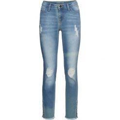 Dżinsy SKINNY z ćwiekami bonprix niebieski bleached. Jeansy damskie marki bonprix. Za 79.99 zł.