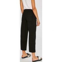 Tommy Jeans - Spodnie Sophie. Spodnie materiałowe damskie Tommy Jeans, z bawełny. W wyprzedaży za 399.90 zł.