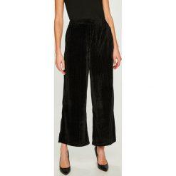 Answear - Spodnie. Szare spodnie materiałowe damskie ANSWEAR, z dzianiny. W wyprzedaży za 139.90 zł.