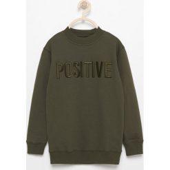 Bluza z napisem positive - Khaki. Bluzy dla chłopców marki Reserved. W wyprzedaży za 39.99 zł.