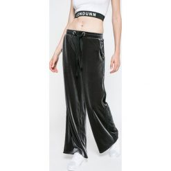 Missguided - Spodnie by Jourdan Dunn. Szare spodnie sportowe damskie Missguided, z dzianiny. W wyprzedaży za 79.90 zł.