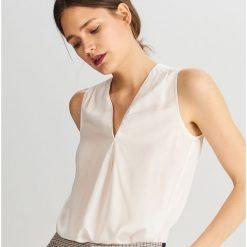 245806955ba27 Elegancka bluzka z wiskozy - Kremowy. Bluzki damskie marki Reserved. Za  29.99 zł.