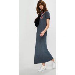 Tommy Hilfiger - Sukienka. Szare sukienki damskie Tommy Hilfiger, z aplikacjami, z bawełny, casualowe, z okrągłym kołnierzem, z krótkim rękawem. Za 399.90 zł.