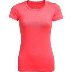 Koszulka treningowa damska TSDF600A - koral neon - Outhorn. Czerwone koszulki sportowe damskie Outhorn, z materiału. W wyprzedaży za 34.99 zł.