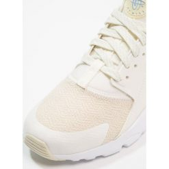 Nike Sportswear AIR HUARACHE RUN ULTRA SE (GS) Tenisówki i Trampki sail/fossil/royal tint/crimson. Trampki i tenisówki chłopięce Nike Sportswear, z materiału. Za 439.00 zł.