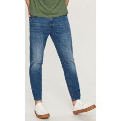 Jeansy carrot - Niebieski. Jeansy dla chłopców marki Reserved. W wyprzedaży za 79.99 zł.