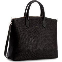 Torebka CARINII - Crn-777-159-000-000 Czarny. Czarne torby na ramię damskie Carinii. W wyprzedaży za 509.00 zł.