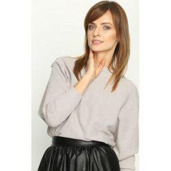 Ciemnobeżowy Sweter Lace Motive. Swetry damskie Born2be. Za 59.99 zł.