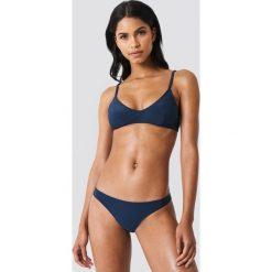 NA-KD Swimwear Dół bikini Structured - Navy. Niebieskie bikini damskie NA-KD Swimwear. Za 72.95 zł.