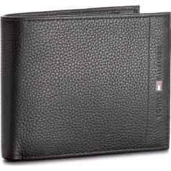 Duży Portfel Męski TOMMY HILFIGER - Core Cc Flap & Coin AM0AM02398 002. Portfele męskie Tommy Hilfiger, ze skóry. Za 329.00 zł.