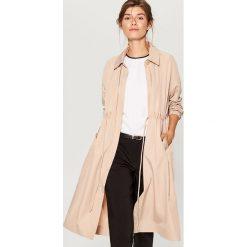 Płaszcz oversize - Beżowy. Brązowe płaszcze damskie Mohito. W wyprzedaży za 179.99 zł.