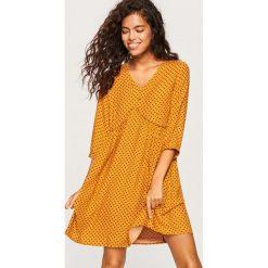 Sukienka we wzory - Żółty. Żółte sukienki damskie Reserved. Za 99.99 zł.