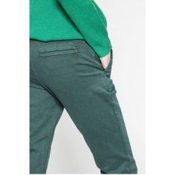 Tommy Jeans - Spodnie. Jeansy damskie marki Tommy Jeans. W wyprzedaży za 319.90 zł.