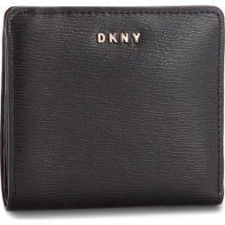 Mały Portfel Damski DKNY - Bryant Bifold Wallet R83Z3657  Blk/Gold BGD. Portfele damskie marki DKNY. W wyprzedaży za 239.00 zł.