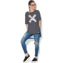 Colour Pleasure Koszulka CP-033  39 grafitowa r. uniwersalny. T-shirty damskie Colour Pleasure. Za 76.57 zł.