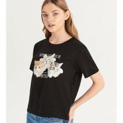 T-shirt ze zwierzakiem - Czarny. Czarne t-shirty damskie Sinsay. Za 19.99 zł.
