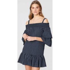 English Factory Sukienka z odkrytymi ramionami - Blue,Navy. Sukienki damskie English Factory, z falbankami. W wyprzedaży za 103.19 zł.