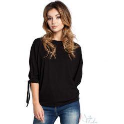 Bluzka rozcięte rękawy bee-036. Czarne bluzki damskie BEE, z jeansu, z krótkim rękawem. Za 109.90 zł.