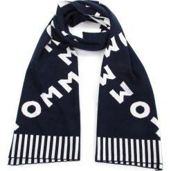 Szal TOMMY HILFIGER - All Over Logo Knit AW0AW05906 413. Szare szaliki i chusty damskie marki Giacomo Conti, na zimę, z tkaniny. W wyprzedaży za 209.00 zł.