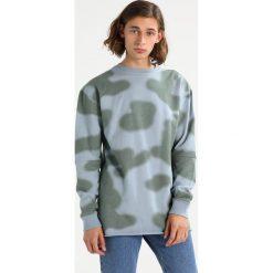 Maharishi CAMO OVERSIZED CREW Bluza skyline ghost. Bluzy męskie Maharishi, z bawełny. W wyprzedaży za 1,039.20 zł.