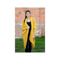 Musztardowy sweter damski, długi asymetryczny kardigan, sweter damski na zime, gruby sweter asymetryczny. Żółte kardigany damskie Ekoszale, ze splotem. Za 189.00 zł.