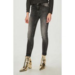 Review - Jeansy. Czarne jeansy damskie Review. Za 179.90 zł.