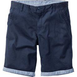 Bermudy chino z wywiniętymi nogawkami Regular Fit bonprix ciemnoniebieski. Niebieskie szorty męskie bonprix. Za 89.99 zł.