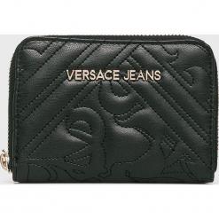 Versace Jeans - Portfel. Czarne portfele damskie Versace Jeans, z jeansu. W wyprzedaży za 239.90 zł.