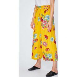 Answear - Spodnie. Szare spodnie materiałowe damskie ANSWEAR, z tkaniny. W wyprzedaży za 69.90 zł.