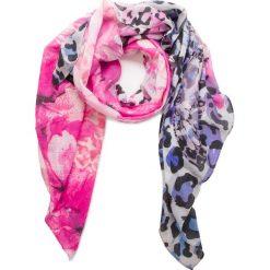 Chusta GUESS - AW7810 POL03 PIN. Różowe szaliki i chusty damskie Guess, z materiału. Za 219.00 zł.