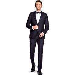 Garnitur Czarny Trento. Czarne garnitury męskie LANCERTO, z tkaniny. W wyprzedaży za 499.90 zł.