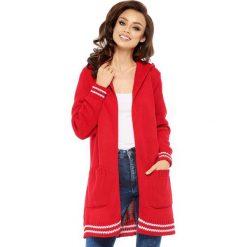 Sweter kardigan z kapturem ls210. Czerwone kardigany damskie Lemoniade. W wyprzedaży za 119.00 zł.