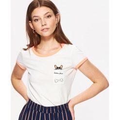 Koszulka z nadrukiem - Kremowy. Białe t-shirty damskie Cropp, z nadrukiem. W wyprzedaży za 9.99 zł.