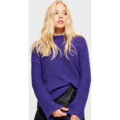 Sweter z rozszerzanymi rękawami - Fioletowy. Fioletowe swetry damskie Cropp. Za 89.99 zł.