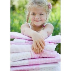 Little Dutch - Kocyk niemowlęcy 70x100- Pink With White Star. Białe kocyki dla dzieci Little Dutch. W wyprzedaży za 80.00 zł.