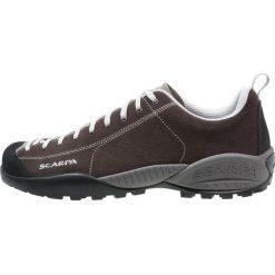 Scarpa MOJITO Obuwie hikingowe dark brown. Buty sportowe męskie Scarpa, z gumy, outdoorowe. W wyprzedaży za 476.10 zł.