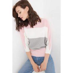 Nietoperzowy sweter w pasy. Czerwone swetry damskie Orsay, z dzianiny. Za 79.99 zł.
