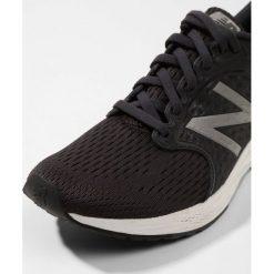 New Balance FRESH FOAM ZANTE Obuwie do biegania treningowe black. Buty sportowe męskie New Balance, z materiału. W wyprzedaży za 494.10 zł.